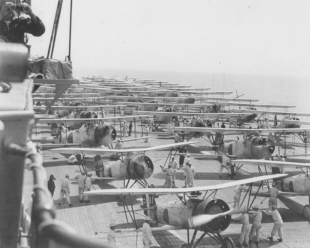 Kaga_air_operations_full_deck_1937.jpg