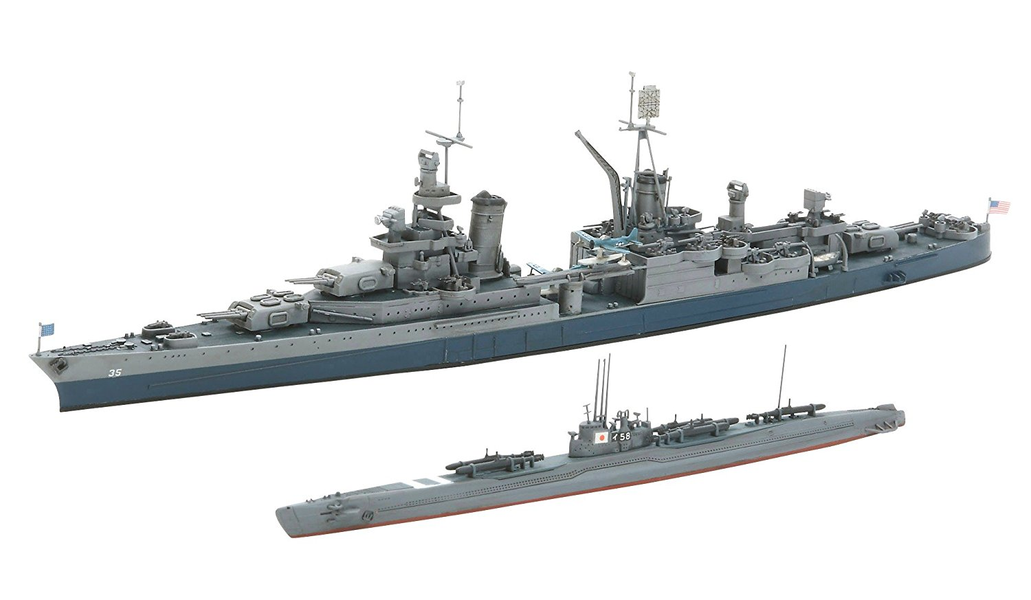 The constructed kit. The details of the models are very good. Tamiya is always high quality manufacturer for 1/700 scale models